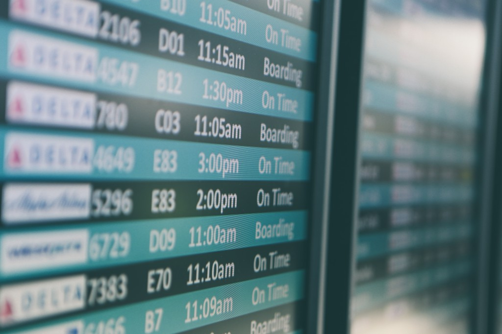 airport flight status screen